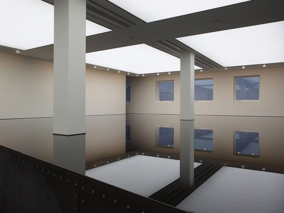 Richard Wilson - Saatchi Gallery